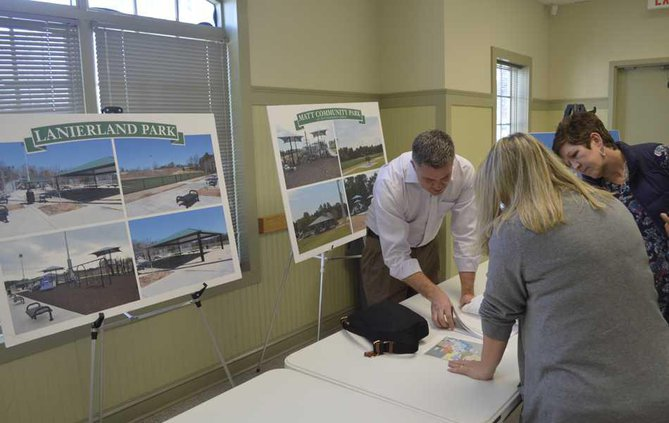 Alan Neal of the Coal Mountain Overlay Committeee discusses the comprehensive plan update with attendees WEB